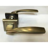 Ручка дверная на квадратной розетке Mongoose 890 (сатин/без защелки)